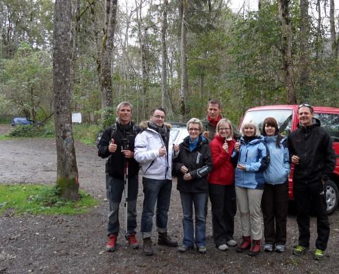 Gruppe bei einem Nordic-Walking Kurs im Allgäu