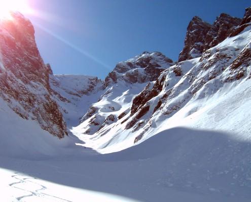 Abfahrt bei einer Skitour im Allgäu